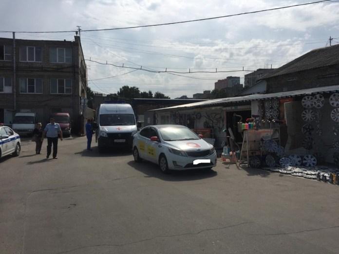 На рынке на Высоковольтной в Рязани такси сбило женщину