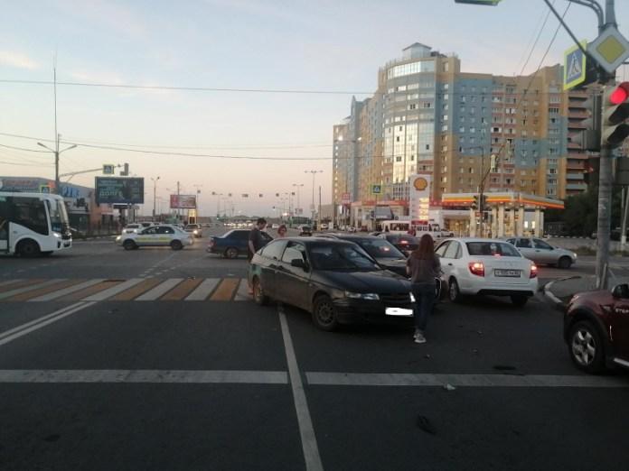 Два человека пострадали в аварии Lada и Audi на улице Есенина в Рязани