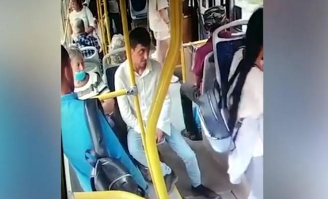Наркоман ударил ножом пассажира автобуса в Новосибирске
