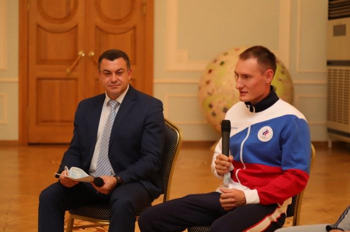 Николай Любимов встретился со спортсменами Олимпийских и Паралимпийских игр в Токио