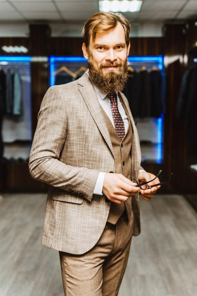 Рязанский священник снялся в рекламе мужской одежды