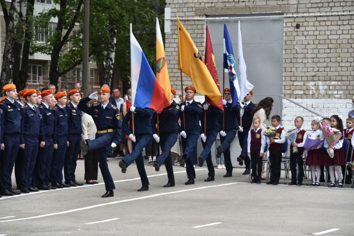 Любимов посетил торжественную линейку в рязанской школе №47