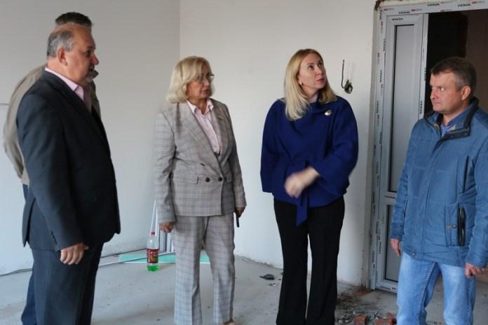 Депутат областной Думы проконтролировала ход строительства главного корпуса областного онкологического диспансера