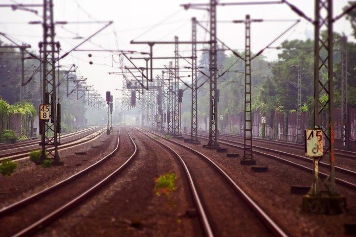 В Новосибирске мужчина проломил голову соседу по поезду