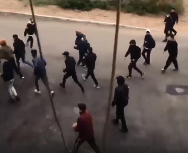 В Улан-Удэ толпа из 30 подростков напала на школьника
