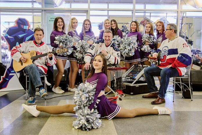 ВРязани торжественно открыли 11-й сезон Ночной хоккейной лиги