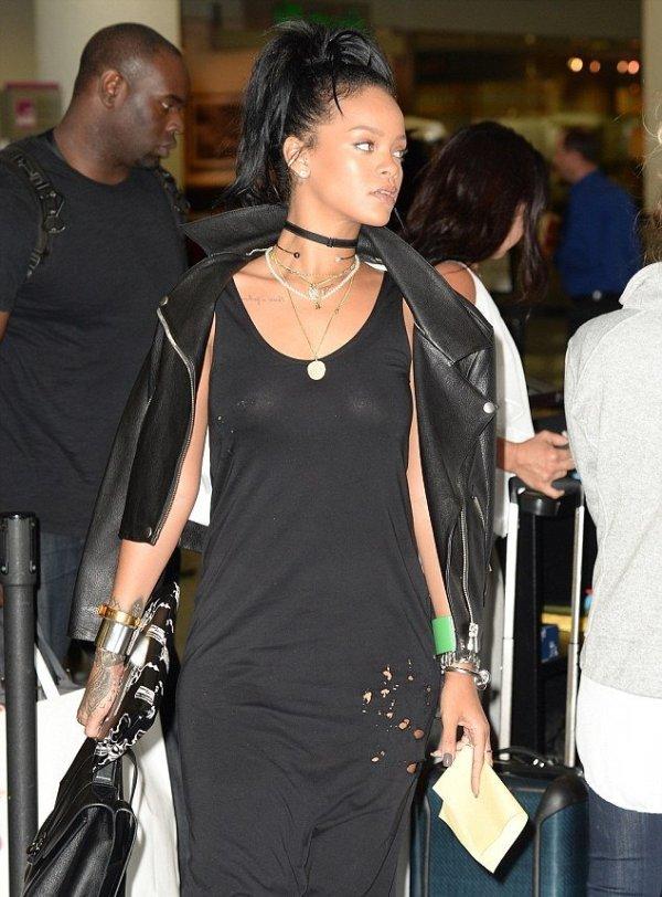 Певица Rihanna разделась ради металлоискателя Garrett (6 ...