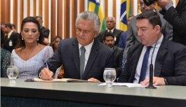Ronaldo Caiado é empossado como governador de Goiás