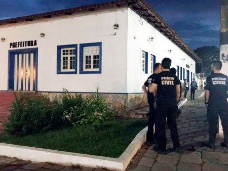 Polícia Civil prende empresários, secretários e assessores da Prefeitura de Pirenópolis
