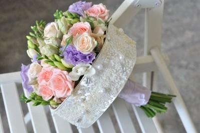 Круглый букет невесты на каркасе