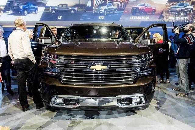 2021 Chevrolet Suburban Front Fascia
