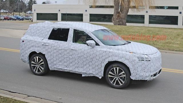 2021 Nissan Pathfinder Redesign Side View