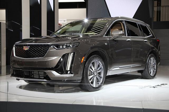 2021 Cadillac XT6 Front