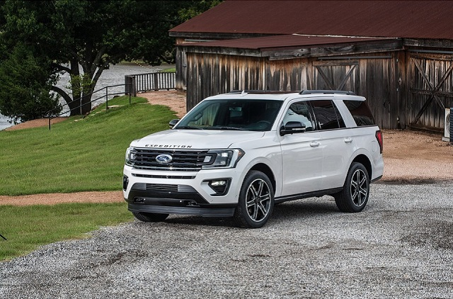 On the other side, some models will receive mid-cycle updates, while others will remain pretty much the same. In any case, the list of amazing large SUVs will be impressive, so we present you the best 8-seater SUVs for 2021: Ford Expedition