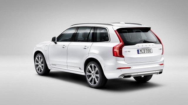 2022 Volvo XC90 rear