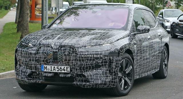2022 BMW iX spy shot