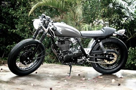 Moto-Rivista-Yamaha-SR400-aka-Varkain-II-1