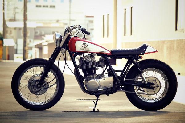 YAMAHA-SR400-by-Motor-Garage-Goods-1