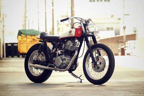 YAMAHA-SR400-by-Motor-Garage-Goods-2