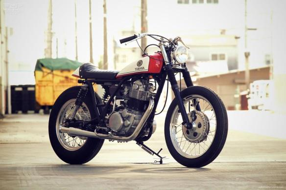 YAMAHA-SR400-by-Motor-Garage-Goods-2