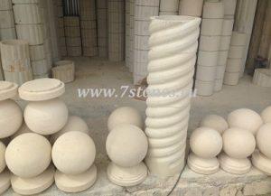 колонны из песчаника