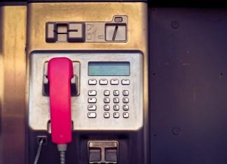 cabina de teléfono / cabina de telèfon