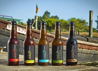 Inma i Antonio són dos dels creadors d'esta marca de cervesa artesanal