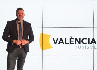 El diputado de Turismo, Jordi Mayor, durante la presentación de la nueva imagen València Turisme