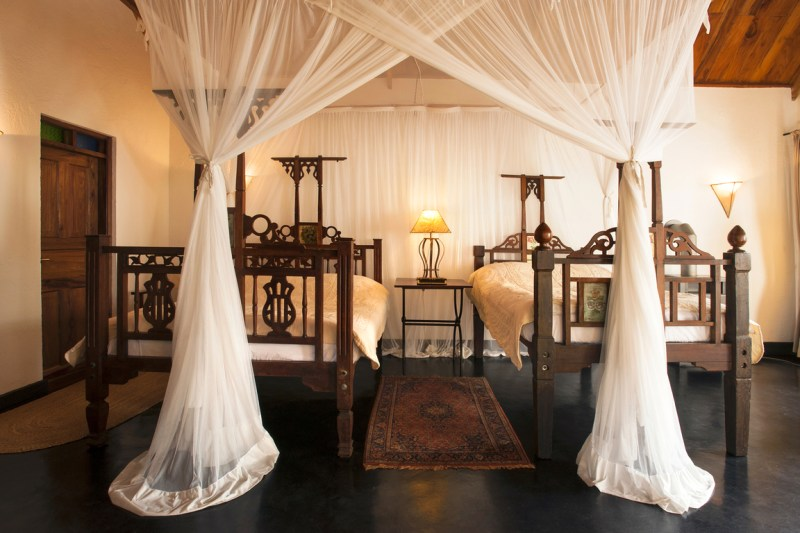 Plantation farm lodge twin bedroom