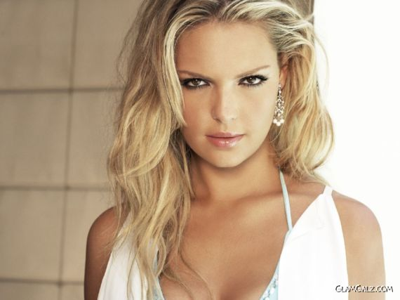 Click to Enlarge - Gorgeous Katherine Heigl Wallpapers
