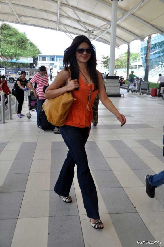 Priyanka Chopra Candids At The Airport