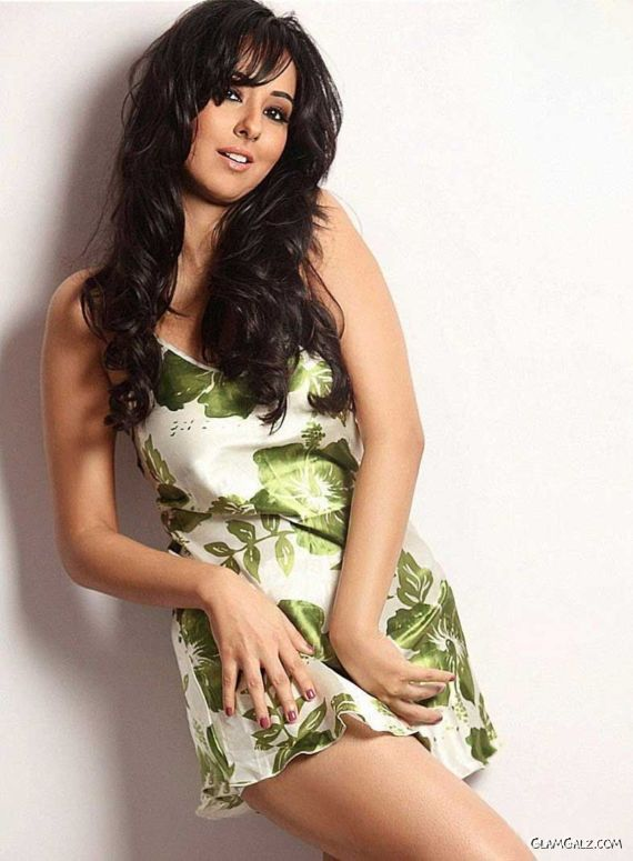 Sizzling Sakshi Poses For You