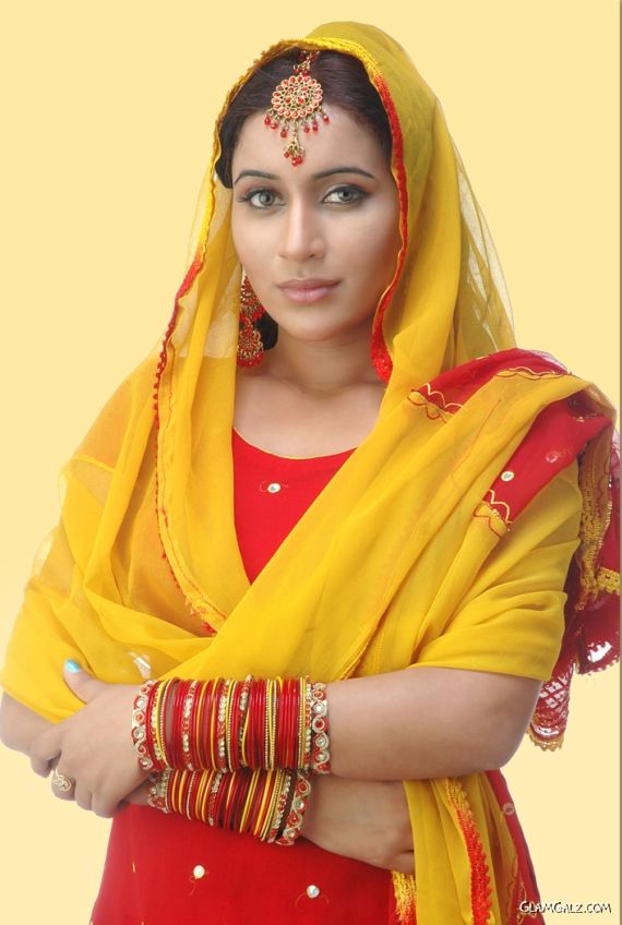 Pretty Telugu Actress Palak