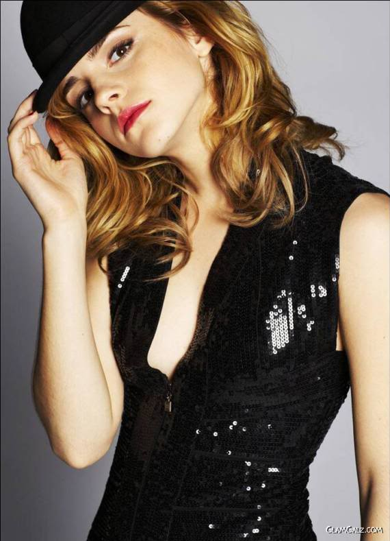 Pretty Emma Watson Photoshoot for Live