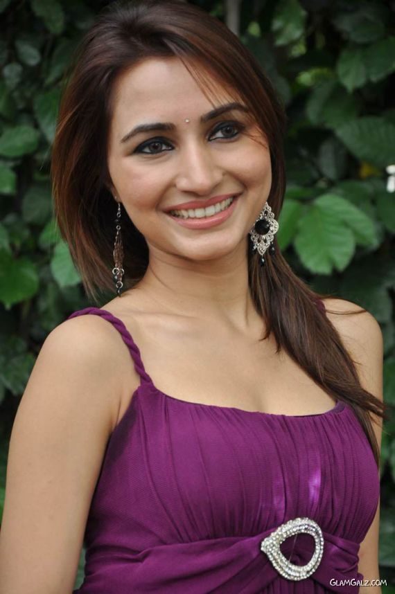 Tollywood Beauty Drithi Photo Gallery