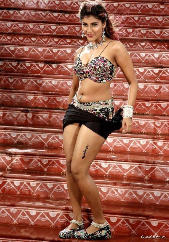 Awesome Kausha Rach Dance Stills