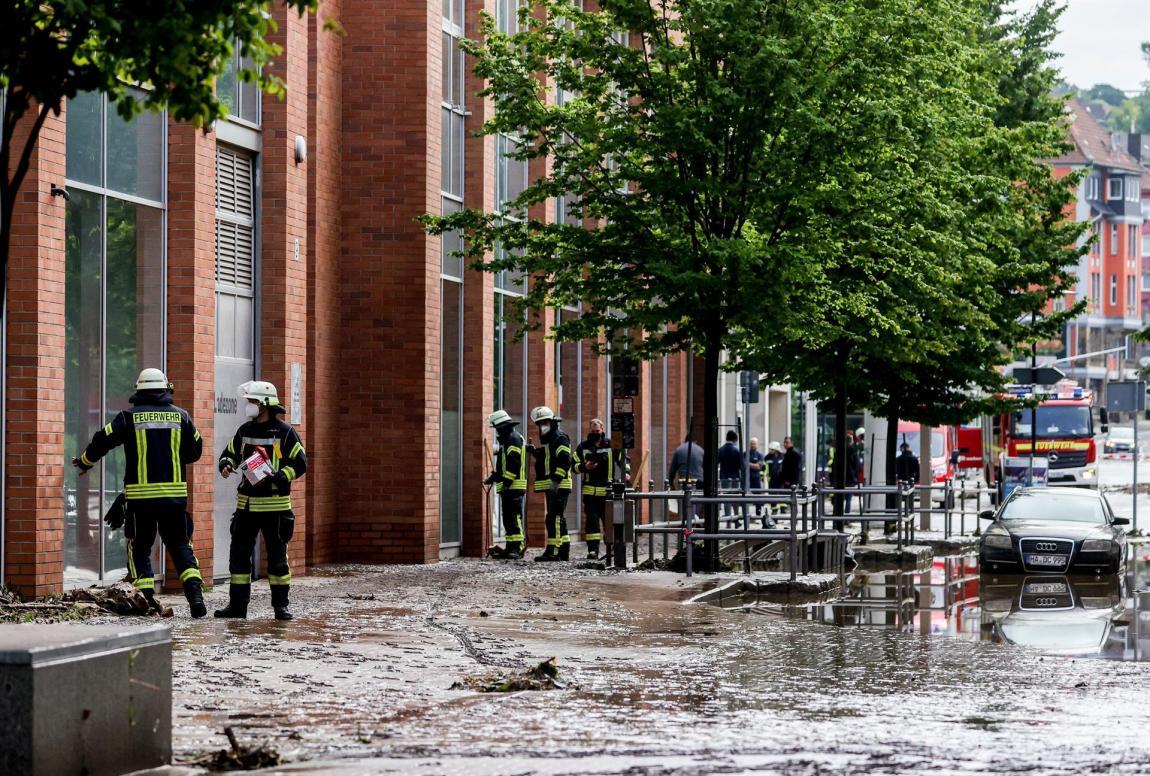 bomberos alemania lluvias