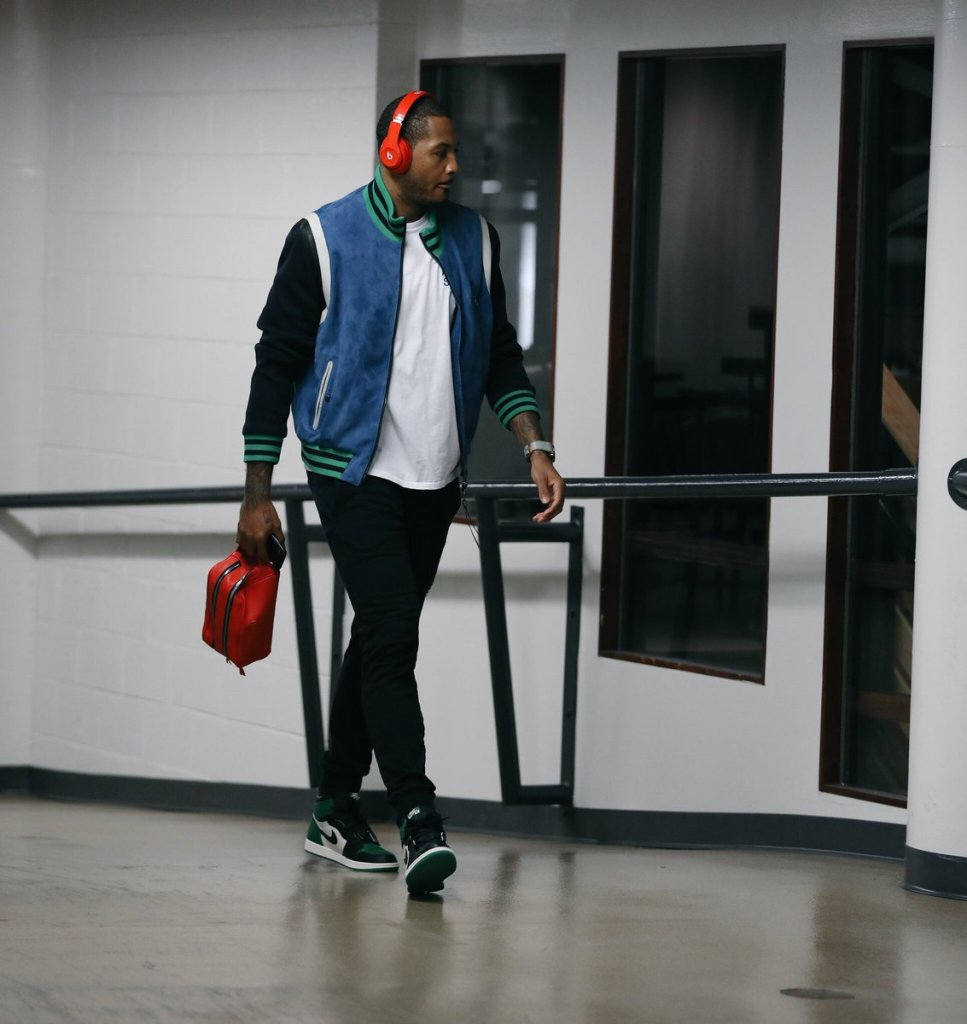 Carmelo-Anthony-Air-Jordan-1-Pine-Green