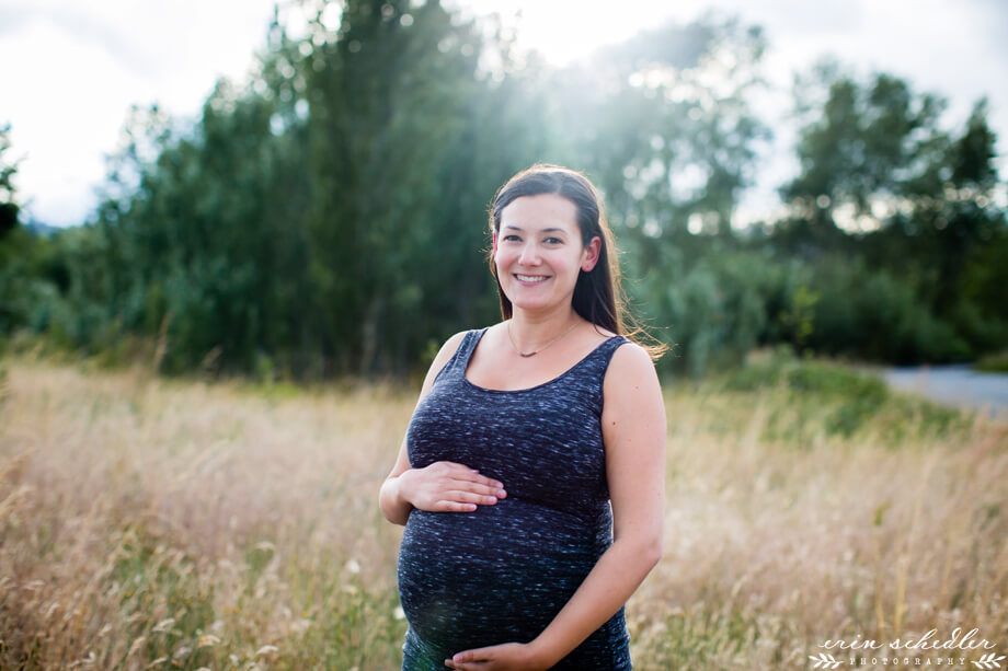 Lifestyle Maternity Photos // Magnuson Park