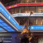 シカゴの名所マイケル・ジョーダン像が移動!