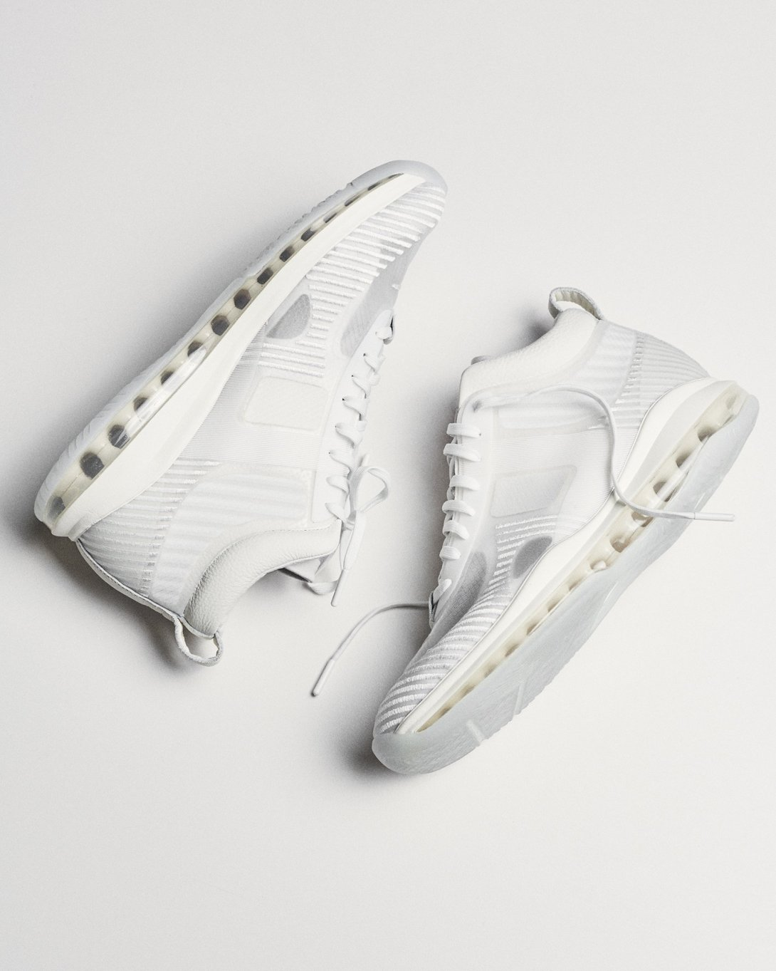 john-elliott-nike-lebron-icon-white-friends-family