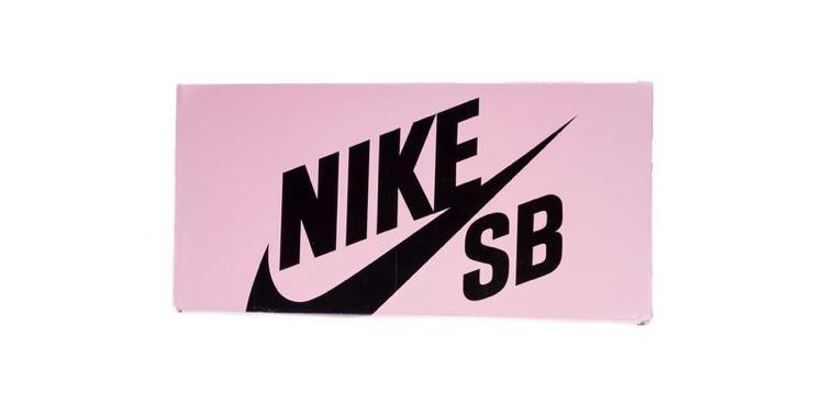 ステープル20周年記念 ナイキ ダンク SB ブラック ピジョン