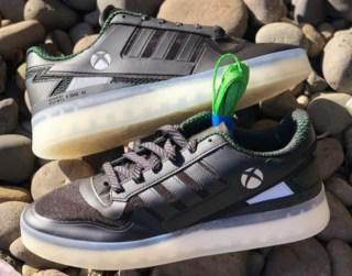 Xbox アディダス コラボスニーカー