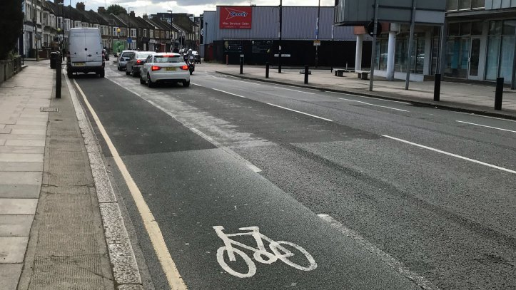 Woolwich Road cycle lane