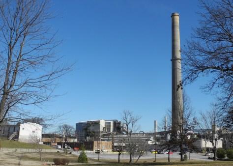 Doe Run Smelter, Herculaneum, MO (Copyright 2011 Kbh3rd)