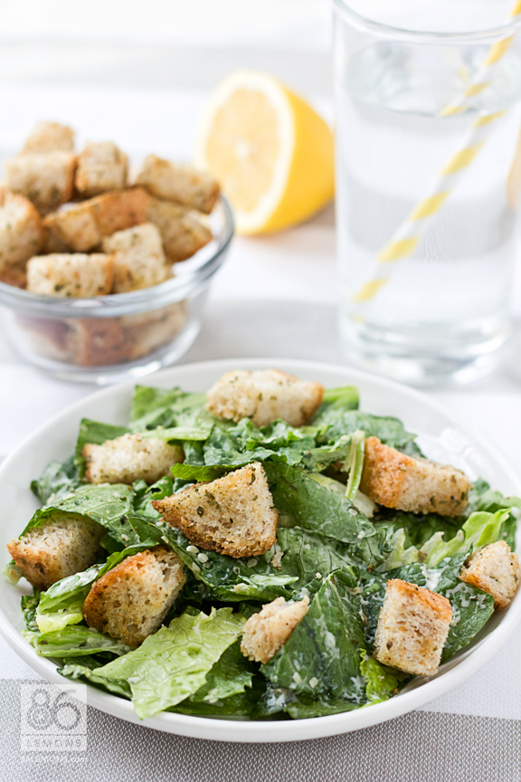Caesar Salad with Homemade Croutons #vegan #glutenfree #salad 86lemons.com