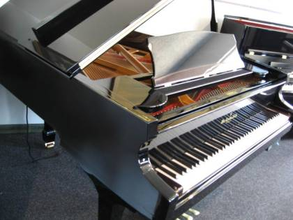 Wm Knabe and Co Grand Piano with PianoCD