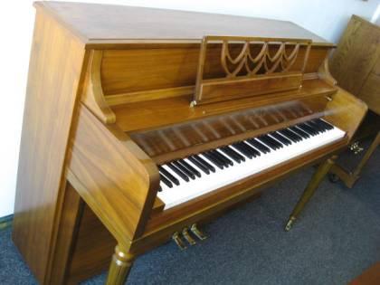 Kawai Traditional Console Piano