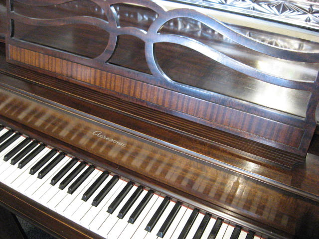 Acrosonic by Baldwin Piano