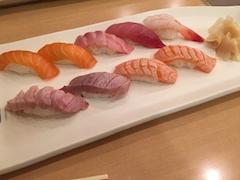 池袋キャバクラはちみつくろーばー まい お寿司